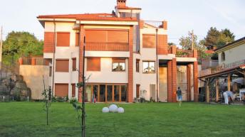 Индивидуална жилищна сграда местност Американски колеж -София,  ЗП – 179 кв.м, РЗП – 605 кв.м