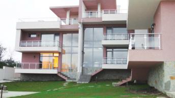 4 къщи с усещане за уют и хармония – РЗП 1025 кв.м